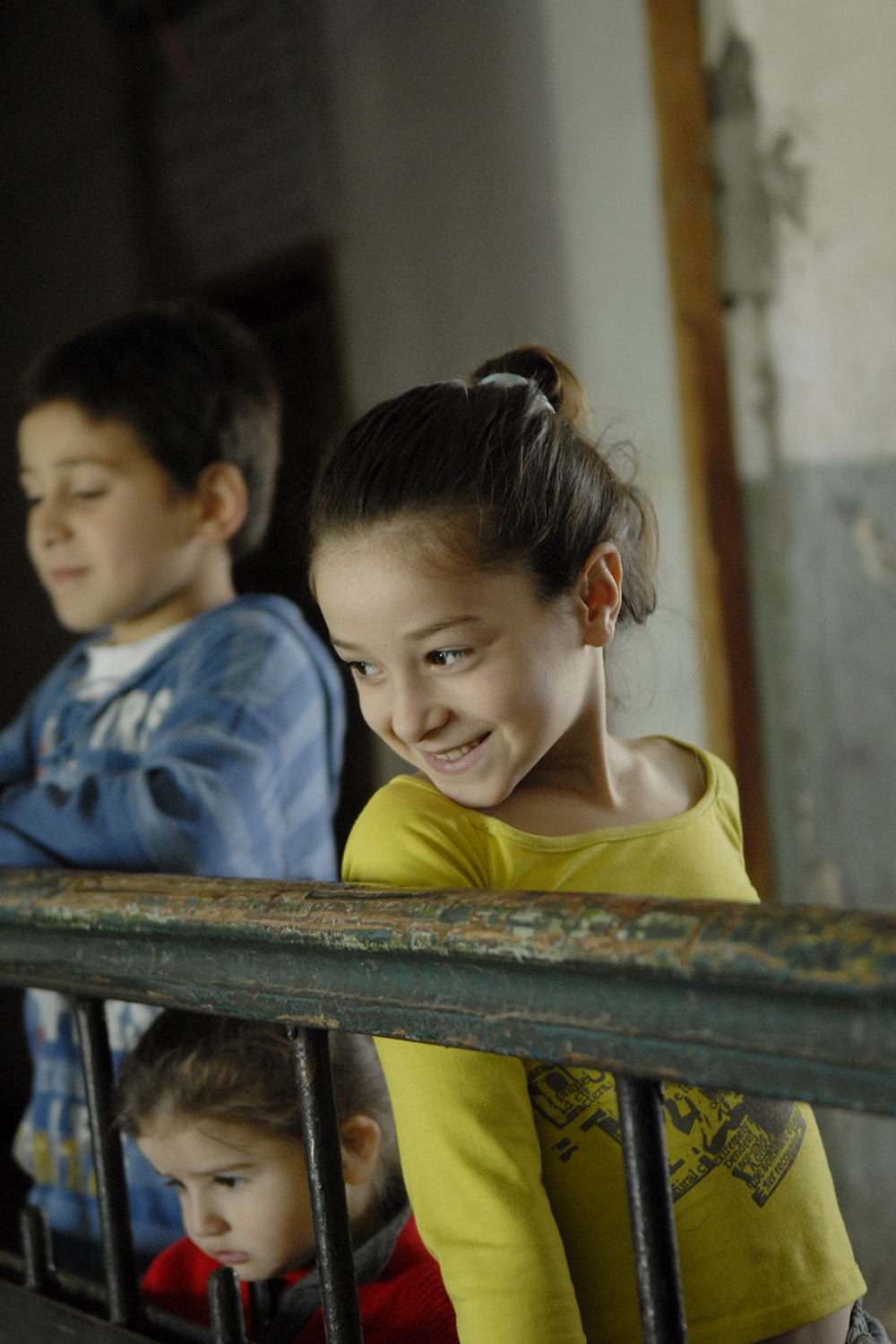 Children at home near Gori, Georgia, during a visit with UNICEF Ambassador James Nesbitt